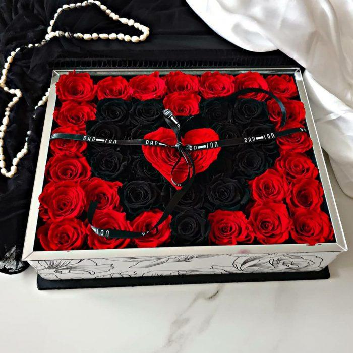 doble corazòn rose stabilizzate rosse e nere