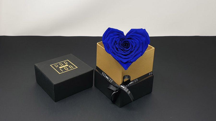 cofanetto-nero-oro-cuore-blu