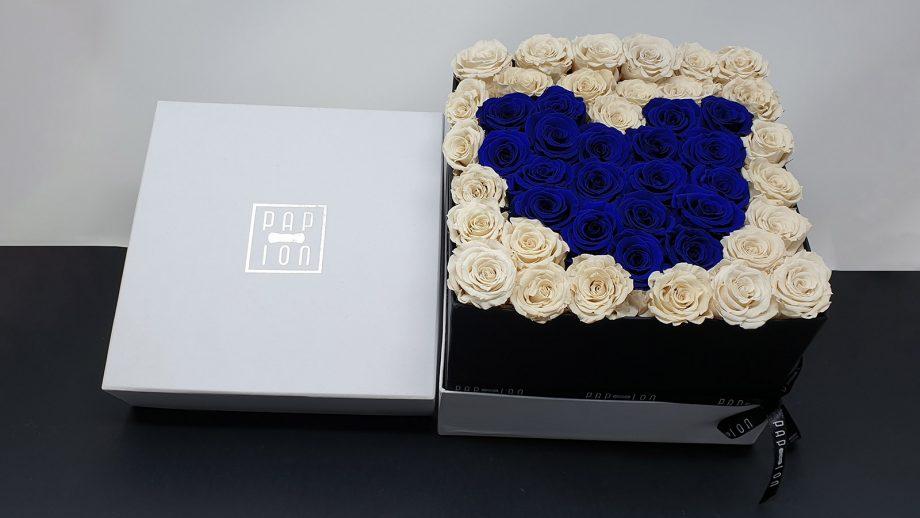 cofanetto-speciale-rose-bianche-cuore-blu