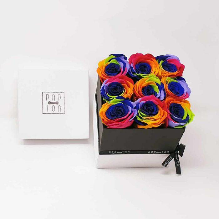 Cofanetto Deluxe con 9 rose arcobaleno