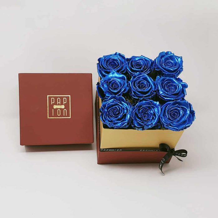 Cofanetto Deluxe con 9 rose blu metalizzate