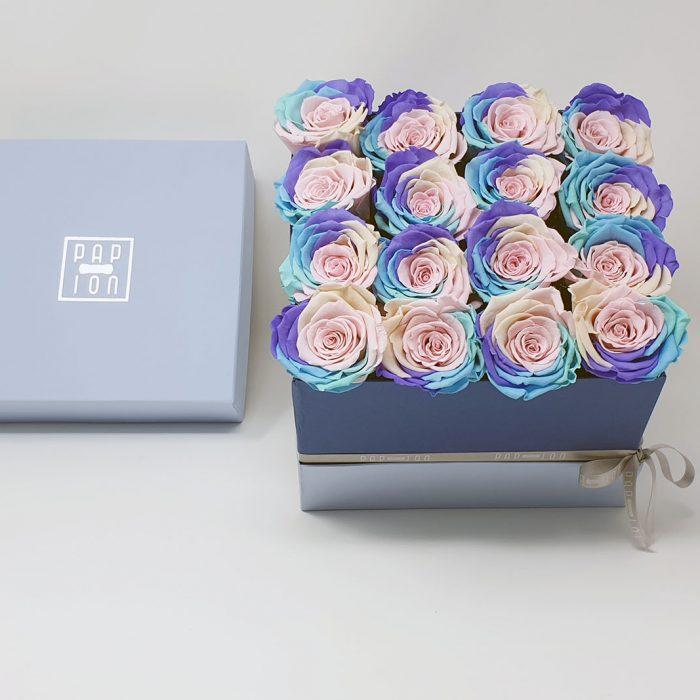 Cofanetto Luxury con 16 rose arcobaleno pastello