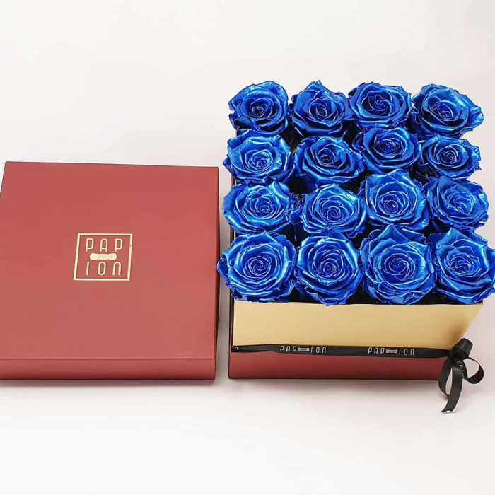Cofanetto Luxury con 16 rose blu metallizzate